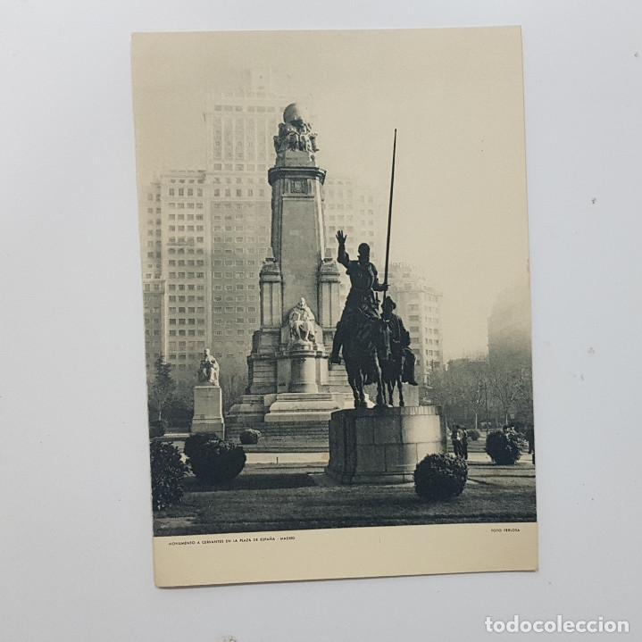 MONUMENTO A CERVANTES PLAZA ESPAÑA MADRID. HUECOGRABADO FOURNIER. FERLOSA. DAVERIO FELICITACIÓN 1960 (Arte - Huecograbado)