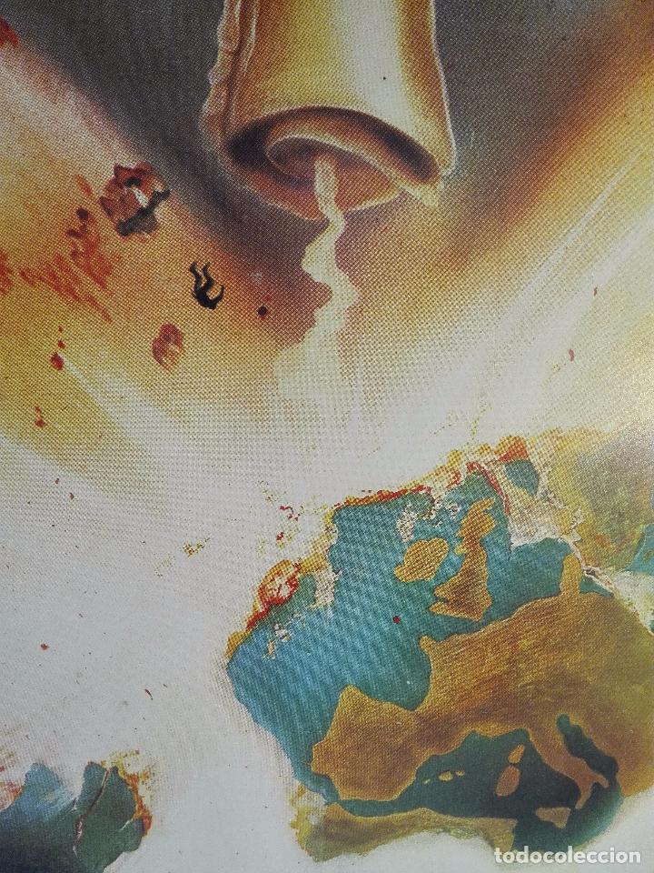 Arte: EXTRAÑO CUADRO CON LÁMINA SOBRE CHAPADO DE EXPLOSIÓN DE BOMBA ATÓMICA EN EL PLANETA TIERRA - 110X80- - Foto 3 - 98586907