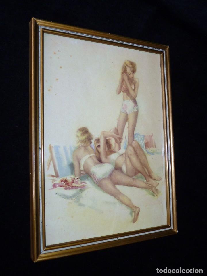 Arte: LÁMINA CROMOGRAFÍA CHICAS BAÑO PLAYA BIKINI. AÑOS 40. ENMARCADA, 25,5 x 19 cm. - Foto 2 - 112983367