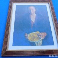 Arte: MUJER CON FLORES. MARCO MUY ANTIGUO DE MADERA 40 X 33 CM, CRISTAL, PASPARTÚ, TRASERA DE MADERA.. Lote 151638310