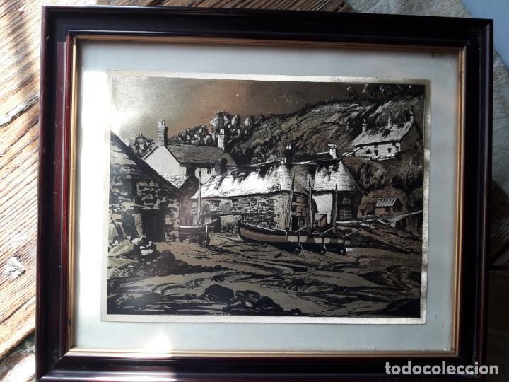 Arte: Aldea pesquera 1. Grabado en negro sobre lámina dorada. - Foto 4 - 164843962