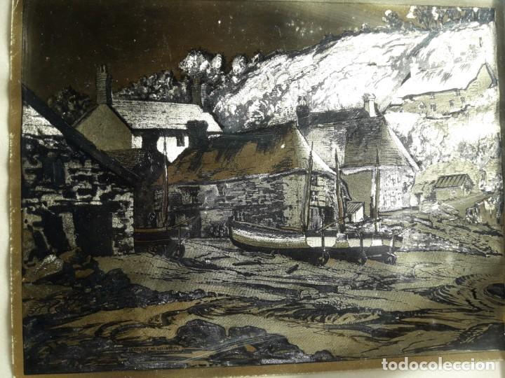 Arte: Aldea pesquera 1. Grabado en negro sobre lámina dorada. - Foto 5 - 164843962