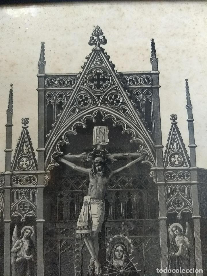 Arte: Antiguo marco de madera con ribetes dorados y lámina: Imagen del Sto. Cristo de la Galera - Foto 8 - 172717997