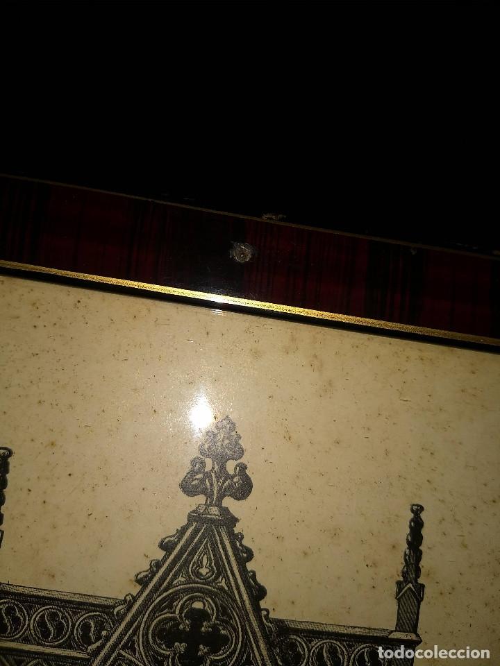 Arte: Antiguo marco de madera con ribetes dorados y lámina: Imagen del Sto. Cristo de la Galera - Foto 23 - 172717997