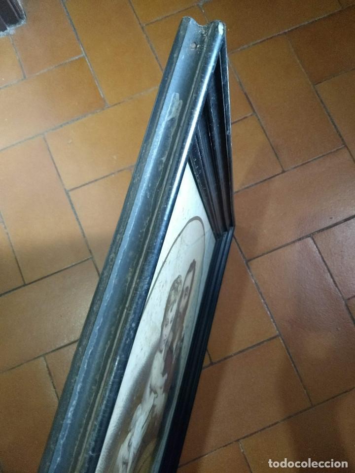 Arte: Pareja de marcos de madera antiguos con bonitas láminas San José con el Niño y La Inmaculada - Foto 19 - 172790103