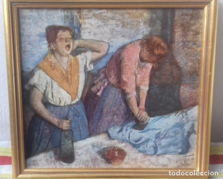 REPRODUCCIÓN LITOGRÁFICA SOBRE TABLA ENMARCADA DE EDGAR DEGAS (1886): LAS PLANCHADORAS. 28,5X26 CMS (Arte - Litografías)