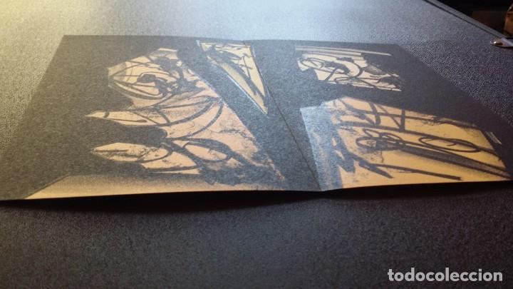 Arte: 3 litografías de Antonio SAURA / André Velter: L'enfer et les fleurs en Archés, 40 ejemplares /1988 - Foto 11 - 197826385