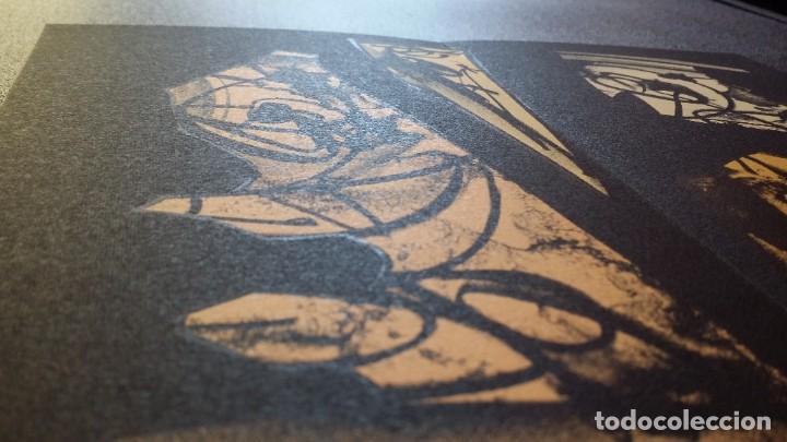 Arte: 3 litografías de Antonio SAURA / André Velter: L'enfer et les fleurs en Archés, 40 ejemplares /1988 - Foto 12 - 197826385