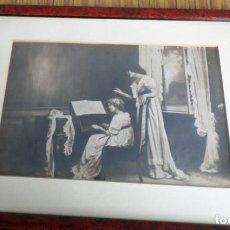 Arte: LITOGRAFÍA 1915 - NIÑA TOCANDO PIANO. Lote 204457856