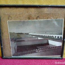 Arte: FOTOGRAFÍA EN BLANCO Y NEGRO, MARCO EN NOGAL, 2000-097. Lote 90938915