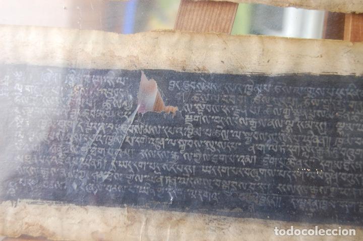 Arte: Manuscrito Tibetano. Enmarcado doble cristal de 56 x 35,5. Son dos tiras de 12,5 x 48. - Foto 4 - 109033947