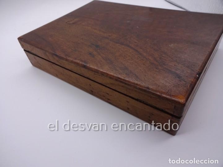 Arte: Antigua caja de pintor con paleta, pintura, pinceles..... 28 x 20 x 6 ctms - Foto 7 - 222788032