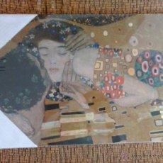Arte: EL BESO = THE KISS / GUSTAV KLIMT. REPRODUCCIÓN SOBRE TABLA DEL CUADRO EL BESO.. Lote 49514800