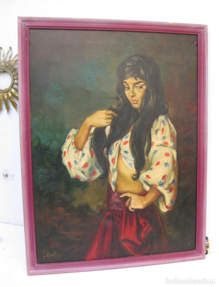 Arte: PRECIOSA PINTURA CUADRO ANTIGUO OLEO LIENZO BONITA GITANA FIRMADO A MONTOYA CIRCA 1940 - Foto 2 - 71651135