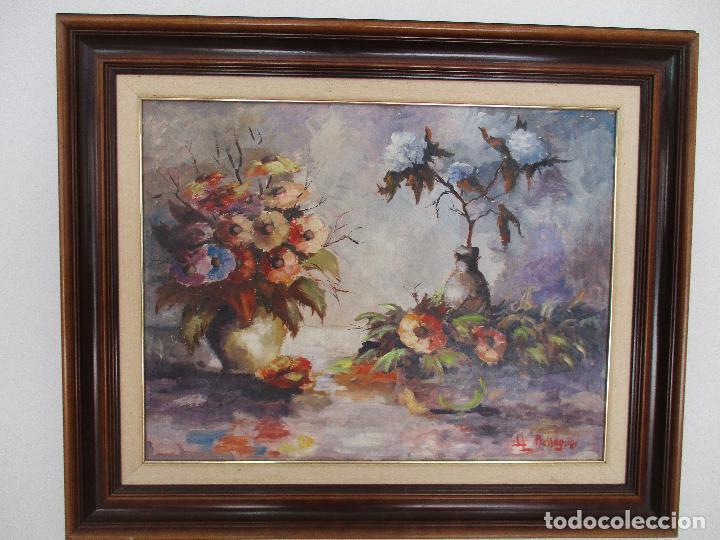 ANTIGUA PINTURA - ÓLEO SOBRE TABLA - BODEGÓN - DECORADO CON FLORES - FIRMA LL. PRESSEGUER (Arte - Pintura - Pintura al Óleo Moderna sin fecha definida)