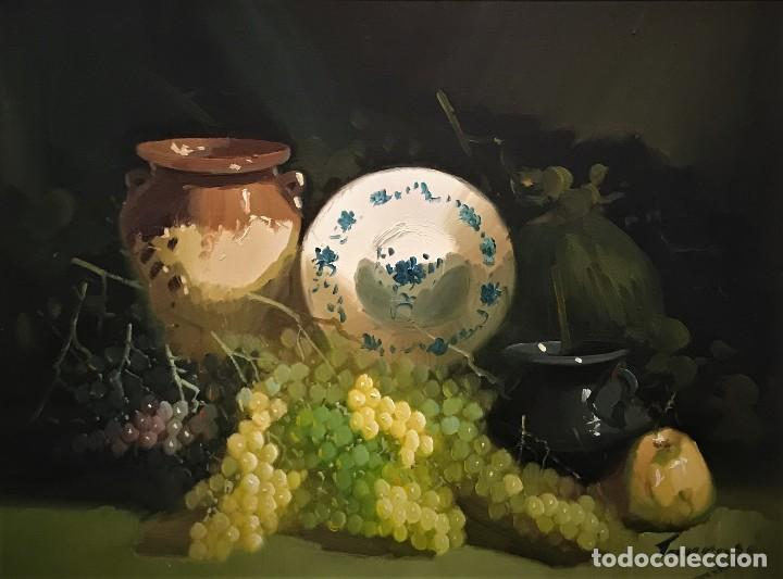 Arte: bodegon con uvas y plato de talavera, firmado tarraso - Foto 2 - 121454499