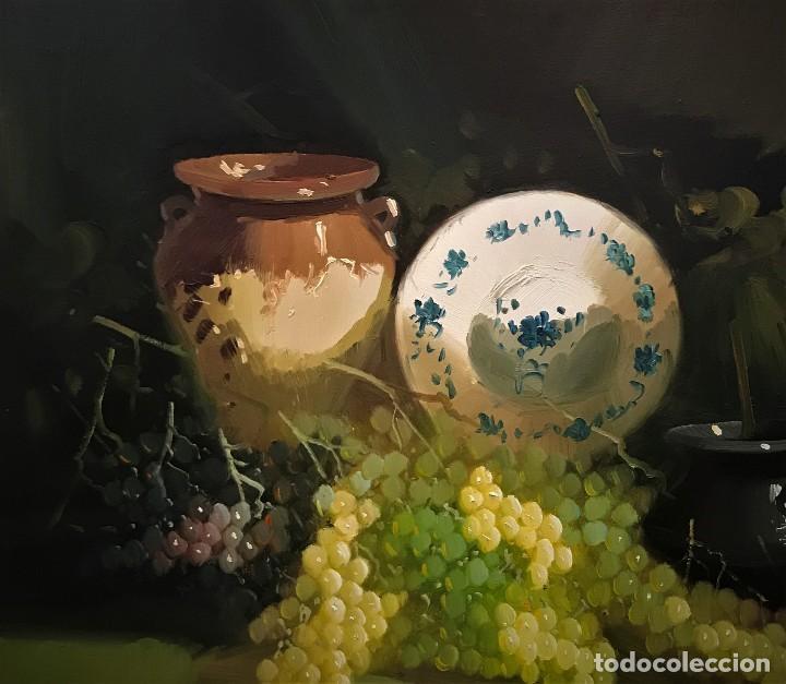 Arte: bodegon con uvas y plato de talavera, firmado tarraso - Foto 4 - 121454499