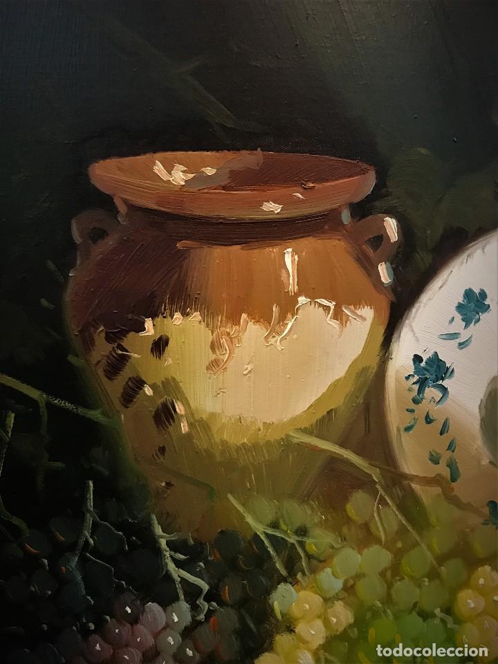 Arte: bodegon con uvas y plato de talavera, firmado tarraso - Foto 5 - 121454499