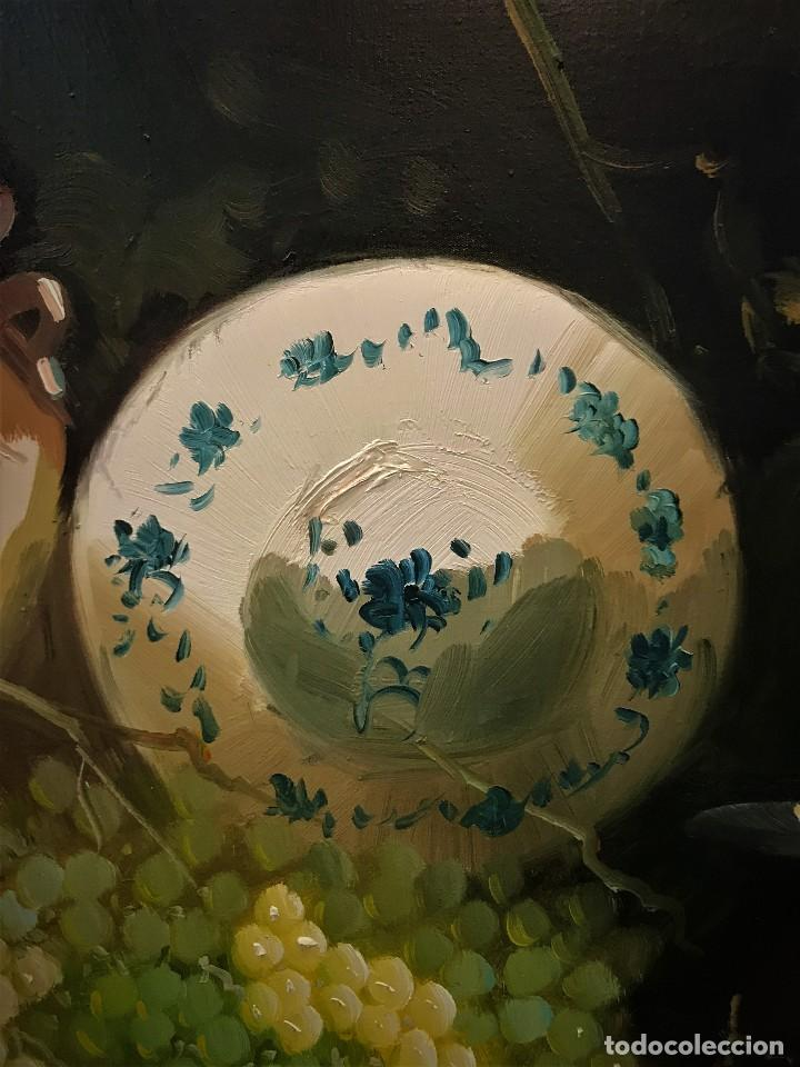 Arte: bodegon con uvas y plato de talavera, firmado tarraso - Foto 7 - 121454499