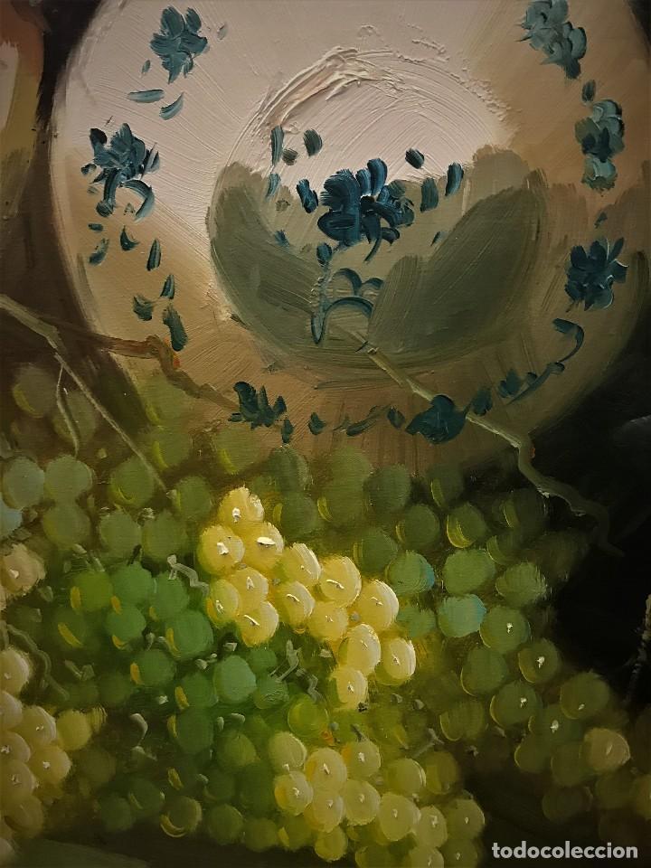 Arte: bodegon con uvas y plato de talavera, firmado tarraso - Foto 8 - 121454499