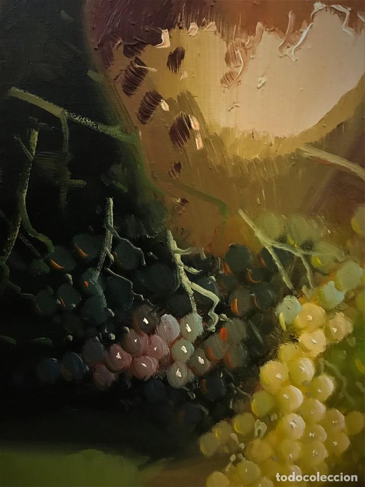 Arte: bodegon con uvas y plato de talavera, firmado tarraso - Foto 9 - 121454499
