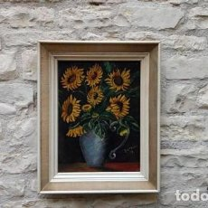Arte: FRENCH RETRO / SUNFLOWERS / IN VASE PAINTING, OIL ON WOOD PANEL, FRAMED AND SIGNED 1973.. Lote 122236203