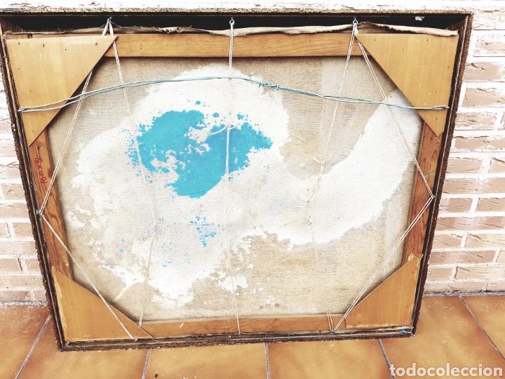 Arte: Intereesante tecnica mixta sobre arpillera, firma ilegible, gran formato 80x100cm. Con marco. - Foto 5 - 123636715