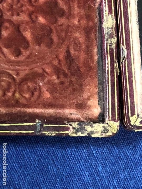 Kunst: miniatura ferrotipo pintado joven con peinado flecha ave perlas estuche origen no firma calidad 8x7c - Foto 14 - 126805419
