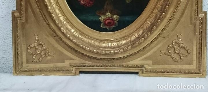 Arte: Antiguo óleo sobre lienzo reentelado, jarrón con flores, siglo XVIII. Marco dorado al oro fino. VER - Foto 3 - 132658850