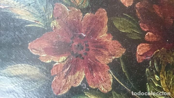 Arte: Antiguo óleo sobre lienzo reentelado, jarrón con flores, siglo XVIII. Marco dorado al oro fino. VER - Foto 4 - 132658850