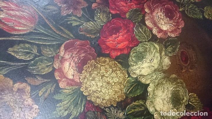 Arte: Antiguo óleo sobre lienzo reentelado, jarrón con flores, siglo XVIII. Marco dorado al oro fino. VER - Foto 6 - 132658850