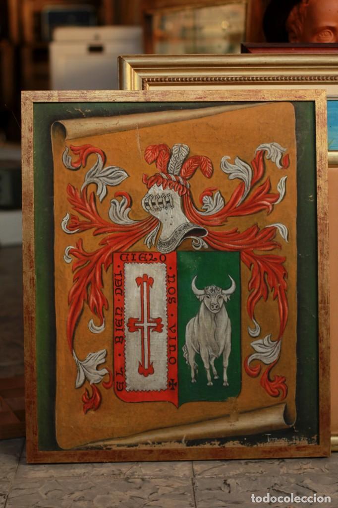 Arte: ESCUDO O BLASÓN DE ARMAS DE CASO, ASTURIAS, PINTADO SOBRE LIENZO. FIRMADA - Foto 2 - 134650562