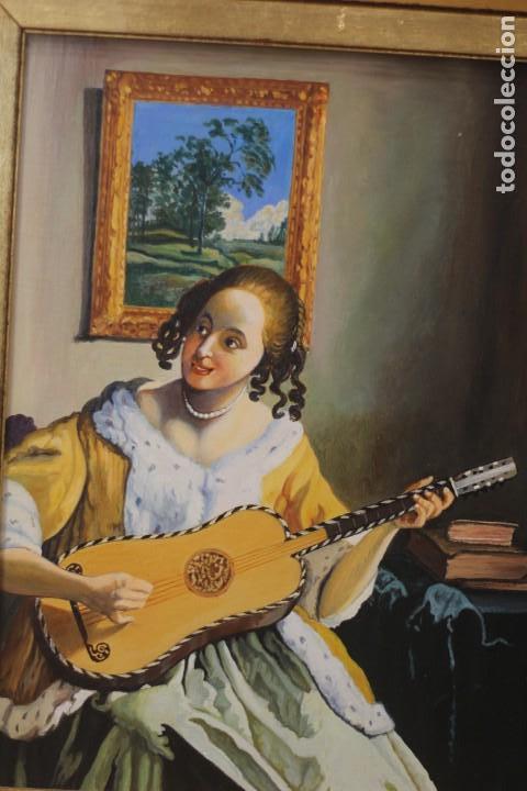 Arte: Mujer tocando la guitarra, según Johannes Vermeer(1632-1675) Anónimo, oleo sobre tabla. 42x48cm - Foto 4 - 135819330