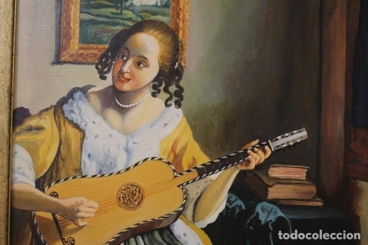 Arte: Mujer tocando la guitarra, según Johannes Vermeer(1632-1675) Anónimo, oleo sobre tabla. 42x48cm - Foto 5 - 135819330