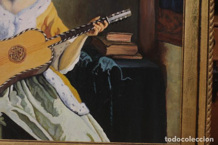 Arte: Mujer tocando la guitarra, según Johannes Vermeer(1632-1675) Anónimo, oleo sobre tabla. 42x48cm - Foto 6 - 135819330