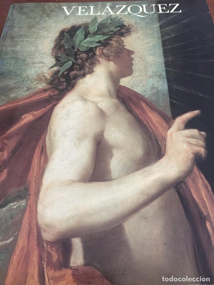 LIBRO DE ARTE SOBRE VELAZQUEZ Y EL MUSEO DEL PRADO 1990. (Arte - Pintura - Pintura al Óleo Antigua siglo XV)