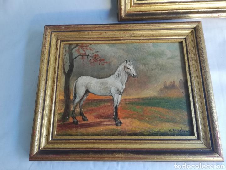Arte: Pareja cuadros firmado pintura antigua sobre tabla tema caballo y pastora de ovejas con marco dorado - Foto 2 - 143381228