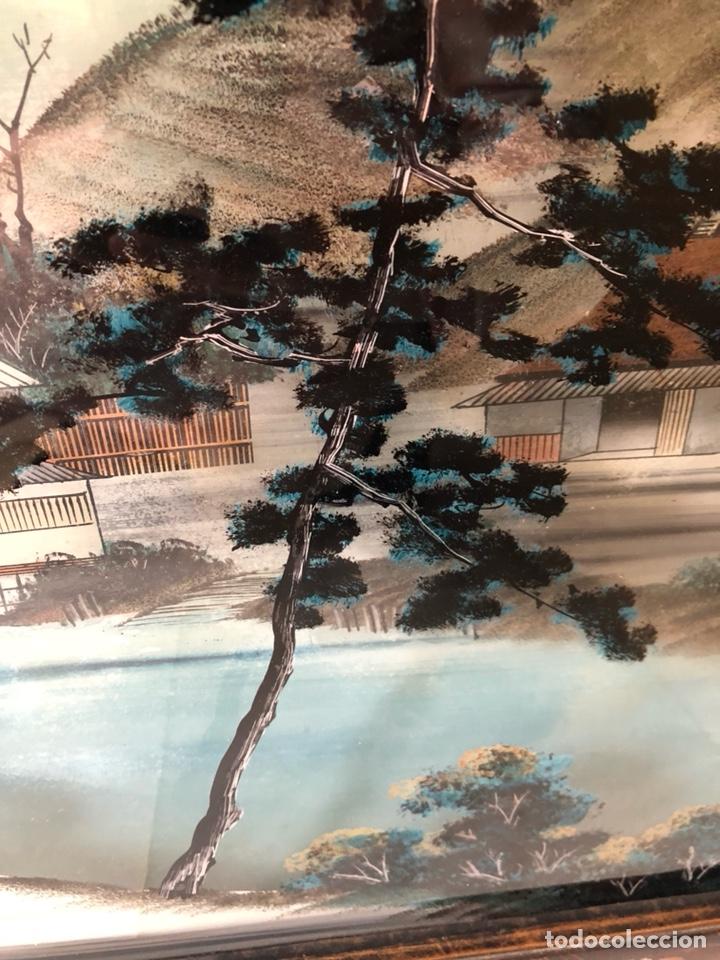 Arte: Precioso cuadro japonés antiguo pintado sobre cristal con incrustaciones - Foto 3 - 147589021