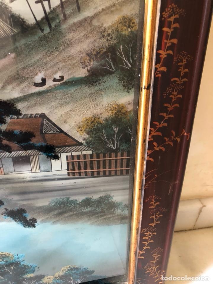 Arte: Precioso cuadro japonés antiguo pintado sobre cristal con incrustaciones - Foto 4 - 147589021