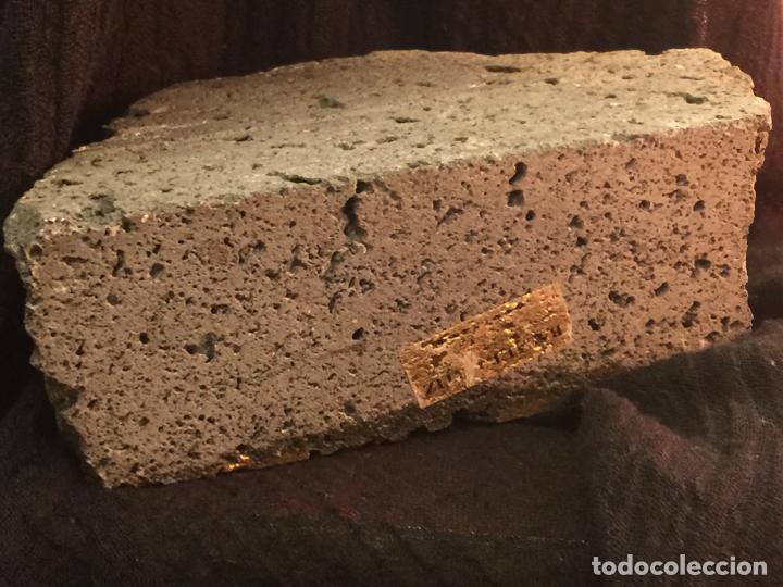 Arte: Original oleo pintado sobre una piedra volcanica de basalto, de la cantera Ortiz, pieza unica. - Foto 7 - 149380654