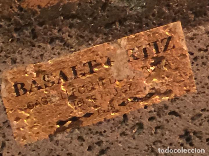 Arte: Original oleo pintado sobre una piedra volcanica de basalto, de la cantera Ortiz, pieza unica. - Foto 8 - 149380654