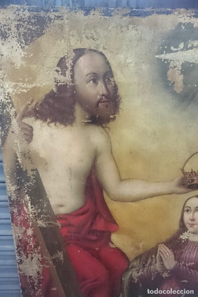 Arte: Antiguo óleo sobre lienzo de la coronación de la virgen. Siglo XVI. 127x110 cm - Foto 2 - 152690110