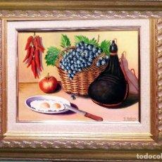 Arte: TARIFA VAZQUEZ, JESUS.-BODEGON CESTA DE UVAS Y BOTA -OLEO S/TABLEX,40 X 30 CM. FIRMADO Y ENMARCADO.. Lote 154639158