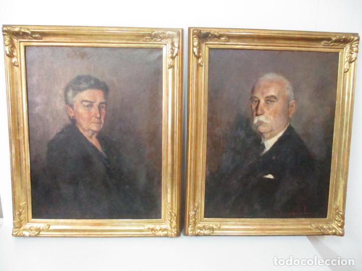 ÓLEO SOBRE TELA - RETRATO - MARCOS DE MADERA DORADOS - FIRMA R. GONZALEZ CARBONELL (1910-1984) (Arte - Pintura - Pintura al Óleo Moderna sin fecha definida)