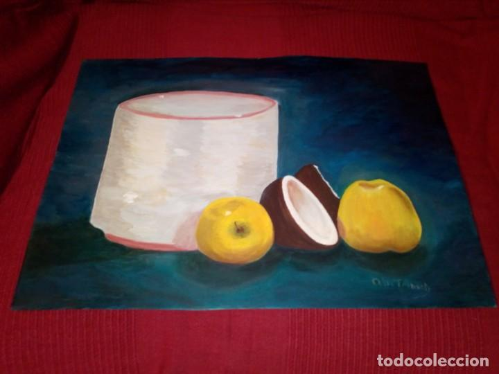 ÓLEO SOBRE LIENZO - DOS MANZANAS Y UN COCO - (FIRMADO ANA MARÍA TRINXET) 50X35 CENTÍMETROS (Arte - Pintura - Pintura al Óleo Contemporánea )