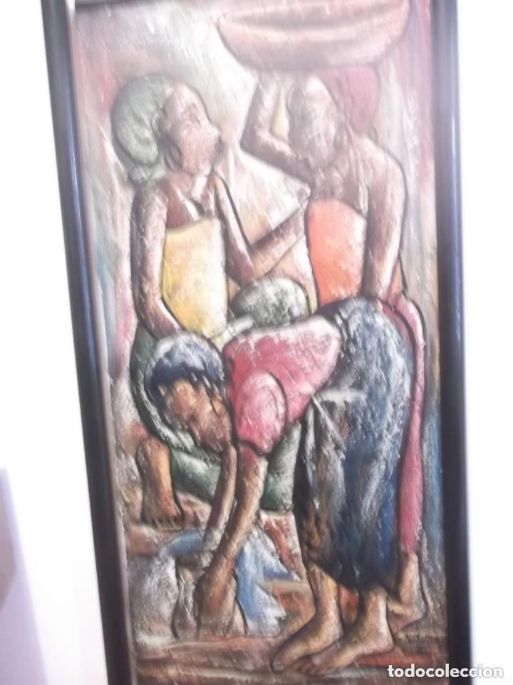 ANTIGUO CUADRO PINTURA ÓLEO MODERNO , TEMA MUJERES DE AFRICA . ORIGINAL Y FIRMADO (Arte - Pintura - Pintura al Óleo Moderna sin fecha definida)