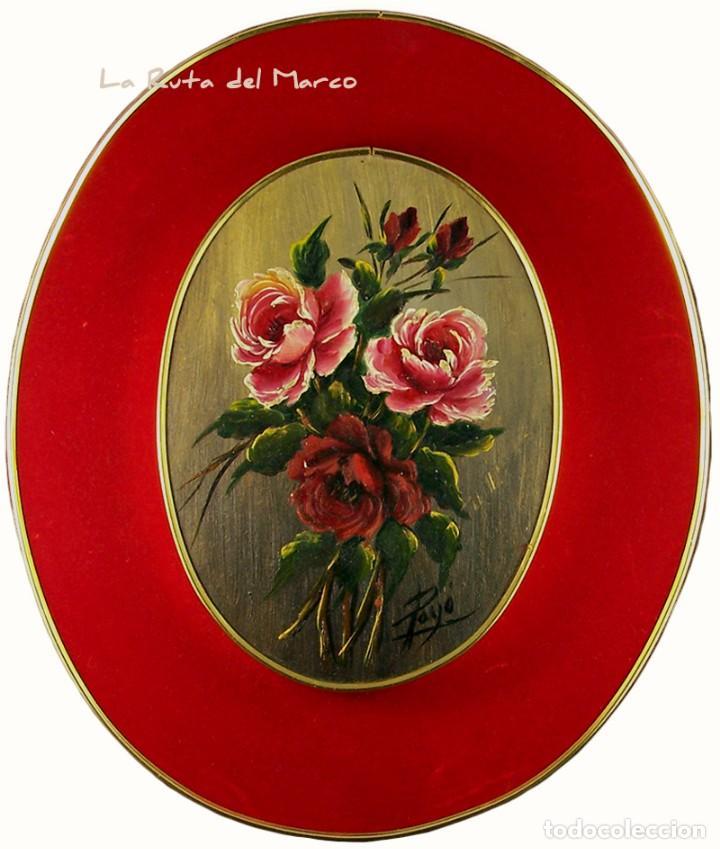 FLORES - CUADRO OVALADO DE ÓLEO SOBRE MADERA CON TERCIOPELO ROJO (Arte - Pintura - Pintura al Óleo Antigua sin fecha definida)