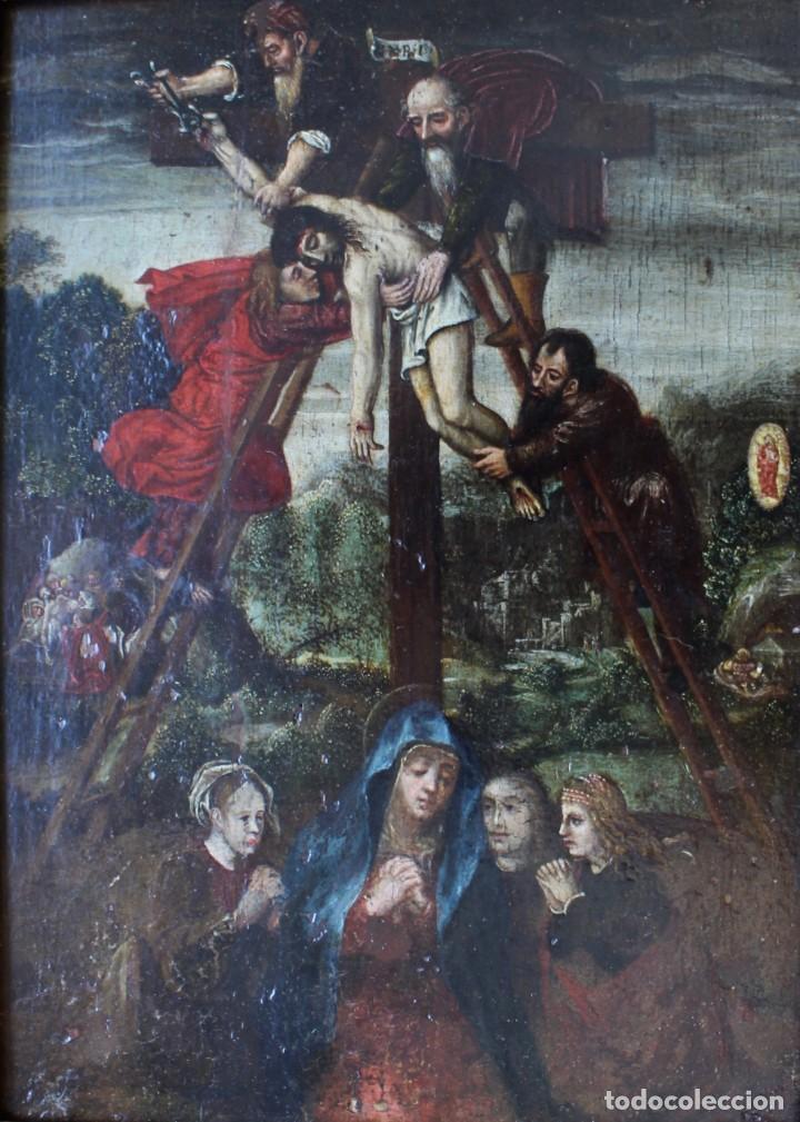 Arte: DESCENDIMIENTO DE LA CRUZ- ÓLEO SOBRE TABLA- ESCUELA FLAMENCA- S XVI - Foto 2 - 169886184