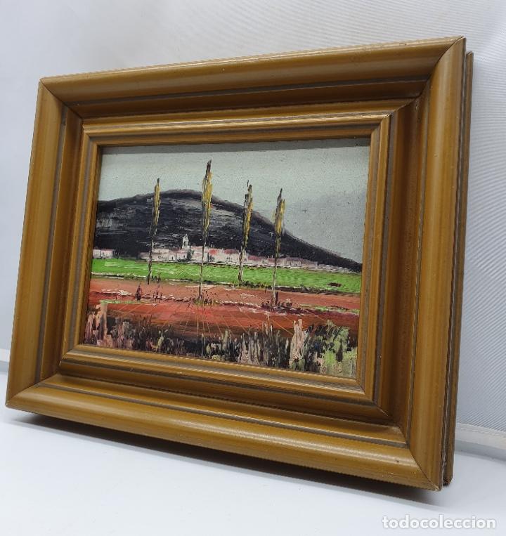 Arte: Cuadro antiguo de imagen paisajista en oleo sobre tablilla enmarcado en madera, firmado . - Foto 4 - 182756642