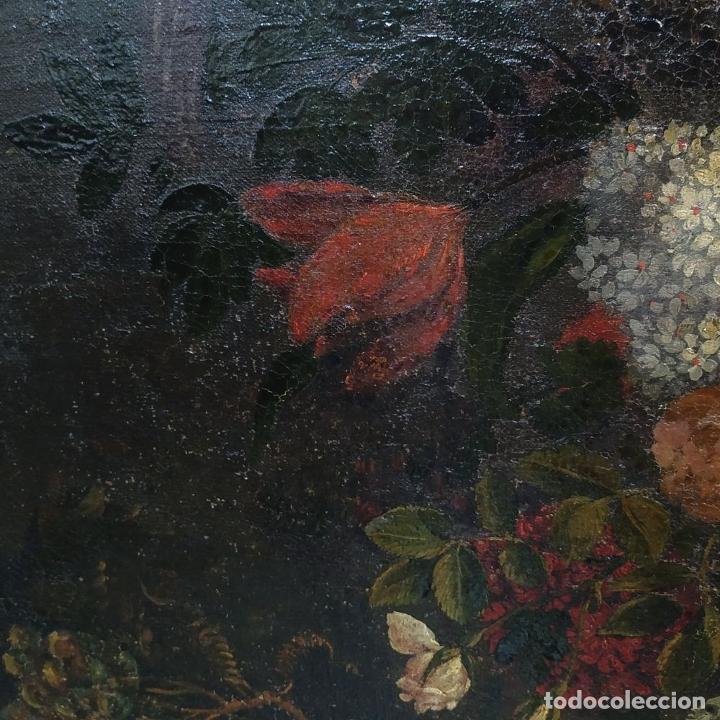Arte: GRAN BODEGÓN CON FLORES Y PÁJAROS. ÓLEO SOBRE LIENZO. ESCUELA ROMANA. ITALIA. XVII - Foto 12 - 191465488
